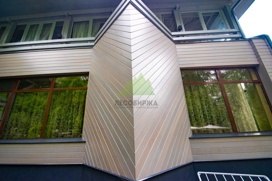 фасад из планкена крашенного лаком teknos